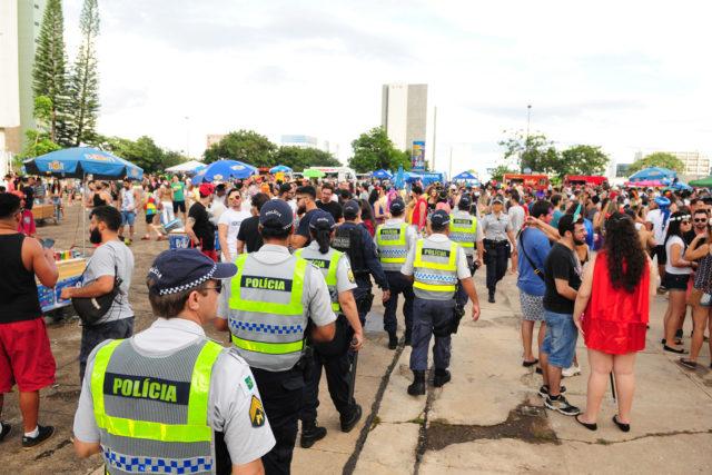 Resultado de imagem para policia carnaval brasilia